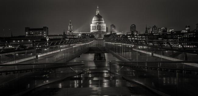 Millenium bridge to St Pauls