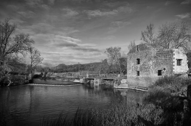 Cutt Mill monochrome
